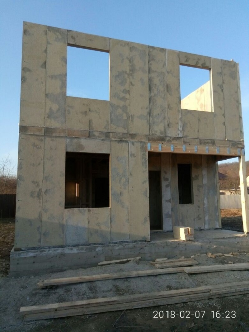 Строительство домов из СИП-панелей в ст. Пятигорской и в ст. Брюховецкой