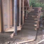 Заливка бетонной лестницы в каркасном доме